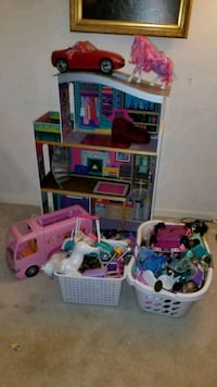 Barbie doll house and accessories  Jefferson, 21755