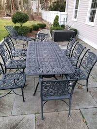 Hannamint Patio Set