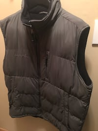 Large Unisex Puffer Vest Inver Grove Heights, 55076