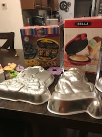 Specialty baking pans/items