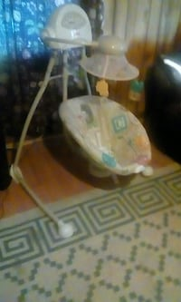 Fisher Price Baby Swing High Point, 27263