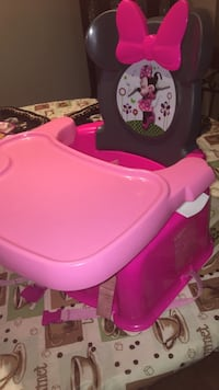 Minnie Mouse pink high chair 33 mi