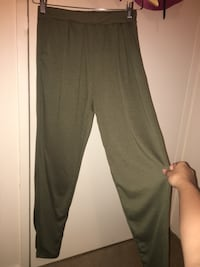 Olive green joggers trousers with pockets Toronto, M6M 4L2