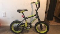 toddler's black and green bicycle with training wheels Severn, 21144