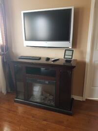 """Sony TV 40""""  with wall bracket Mississauga"""