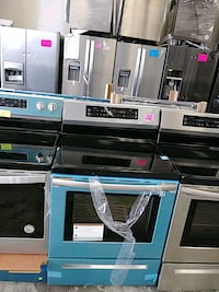 Frigidaire INDUCTION stove new scratch and dent