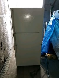 General Electric Fridge with separate freezer