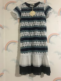 women's black and white short-sleeved dress 马卡姆, L3R 7A2