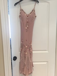 Stunning women's dress. BNWT. Size 6 $25 Richmond Hill, L4C 5R5