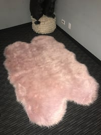 Faux pink sheepskin area rug Chicago, 60607
