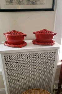 2 cast iron ( w/ trivet) radiator humidifier Goshen, 10924