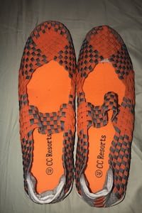 CC Resorts slide on shoes size 10 Chicago, 60615