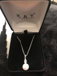 Cubic zirconia / pearl necklace & ring Rohnert Park, 94928