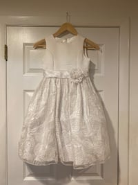 First Communion Dress, Gloves, Hair piece veil - size 8 girls Derwood, 20855