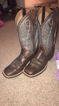 Square toe cowgirl boots Front Royal, 22630