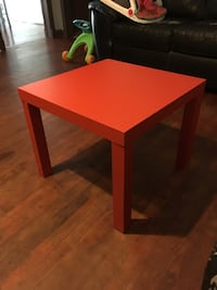 Square red wooden coffee table Covington, 30014