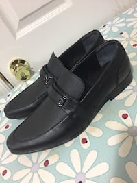 Pair of black leather loafers (guess) size 10.5 Germantown, 20874