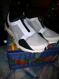 Size 7 & 1/2 Womans Adidas Vancouver, V6A 0B6