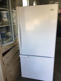 Maytag fridge in excellent condition!!!! Works great !!! Beautiful fridge !!!! Elk Grove, 95624