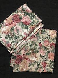 Floral shower curtain with valence 548 km
