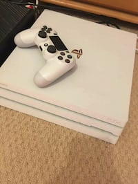 Playstation 4Pro five games and two controller  San Francisco, 94102