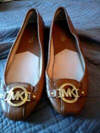 pair of brown leather flats Alexandria, 22311