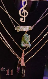 Beautiful stone/ know what necklaces Seattle, 98199
