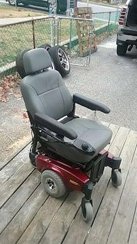 Red power chair Middle River, 21220