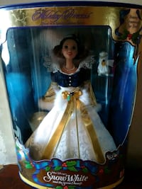 Snow White 1998 Holiday Princess Barbie Hopewell Junction, 12533