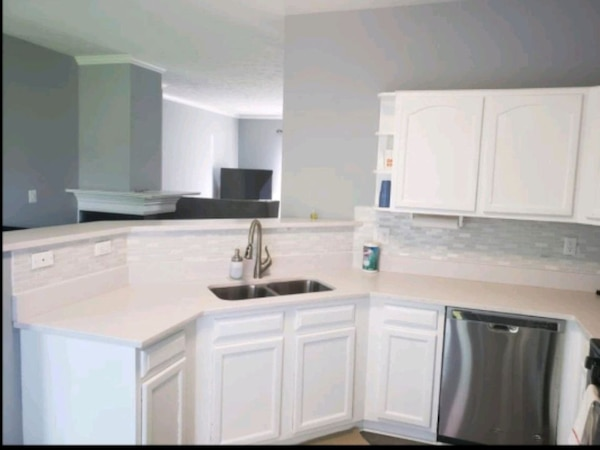 FULLY FURNISHED & REMODELED For Rent 3BR 3.5BA 99da7f11-8a95-48f0-8a9f-676e51aa1c4a