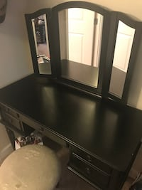Vanity! Plastics still on chair. Looking for pick up ASAP Falls Church, 22042