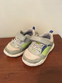 Toddler Boys Sneakers - size 5 Vienna, 22182