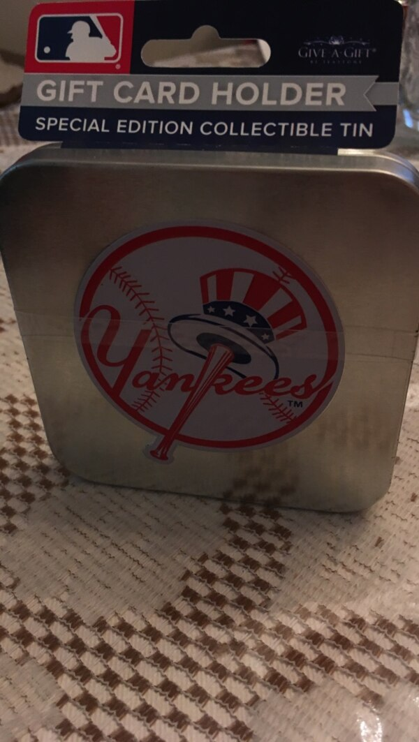 Used New York Yankees gift card holder tin box for sale in Schenectady