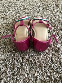 Toddler's Gymboree pink-and-white sandals Norcross, 30071