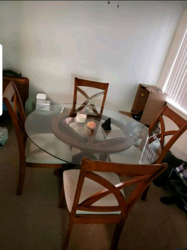 """54"""" Glass living room table with 4 chairs"""