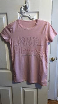 pink scoop-neck shirt Guelph, N1L 1T4