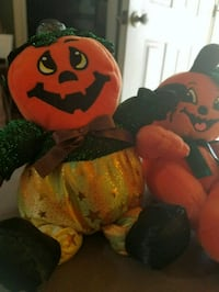 Pair of stuffed jack o lanterns  Mesa, 85205