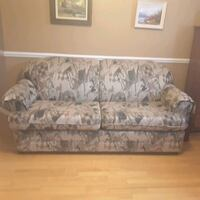 gray and white floral 3-seat sofa Lévis, G6W 8M8