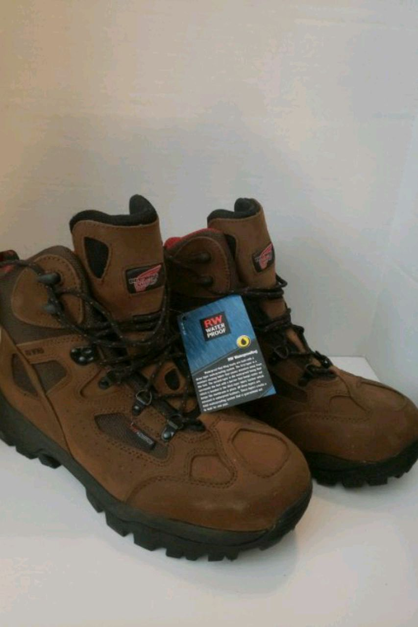 Photo Red Wing hiking style steel toe work boots SIZE 13