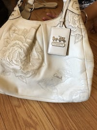 white and gray floral tote bag Fairfield, 94533
