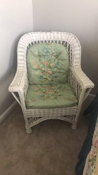 Wicker White and green floral armchair Nashville, 37221