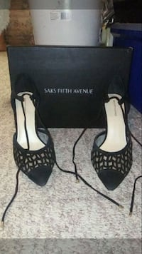 Black high heels Winnipeg, R3J 1M4