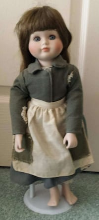 """"""" CHRISTMAS AROUND THE WORLD """" DOLL WITH STAND  Lake Worth, 33463"""