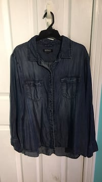 Blue denim jacket Hamilton, L8B 0Z5