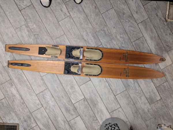 70's vintage water skis d35d44ca-e210-407b-a5e1-b4577f564800