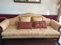 Sofa/ couch .In excellent condition Germantown, 20874