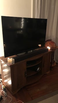"""26""""x45"""" TV + TV stand Seattle, 98122"""