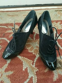 pair of black leather pointed-toe pumps Hagerstown, 21742