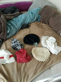 baby's assorted knit caps Mulberry, 33860