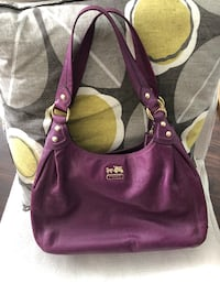 Purple coach shoulder bag  Toronto, M1P 4P5